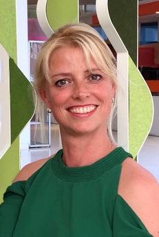 Portrait photo of Annemarie Steen