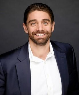 Portrait photo of Ryan Simonetti